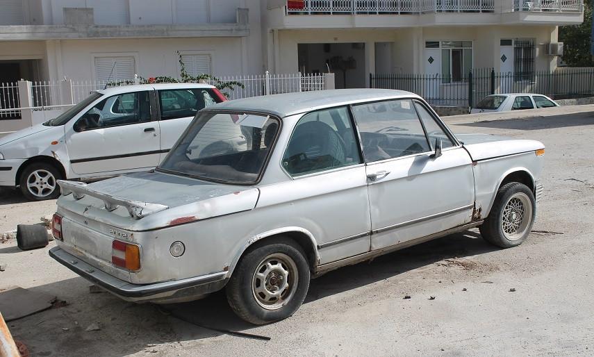 Un coche abandonado