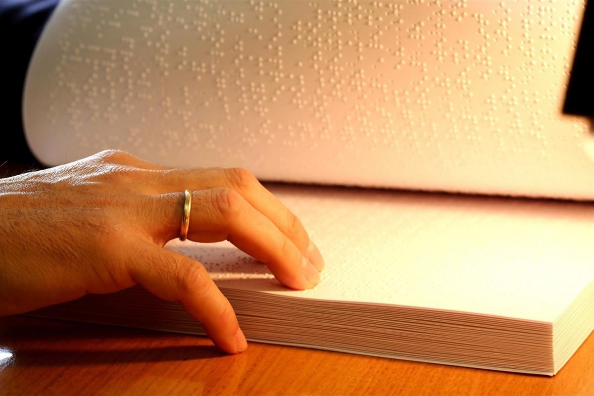 Un libro en Braille