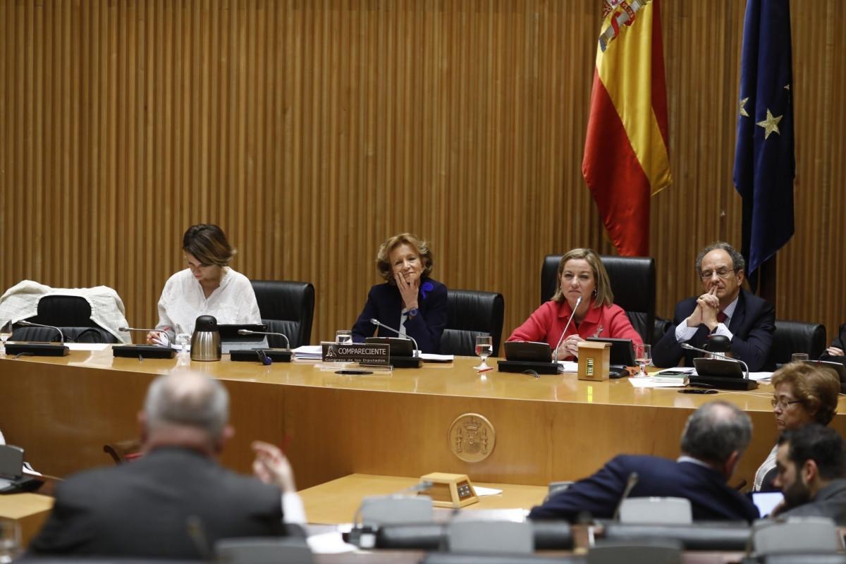 La exministra Elena Salgado comparece en una comisiu00f3n de investigaciu00f3n