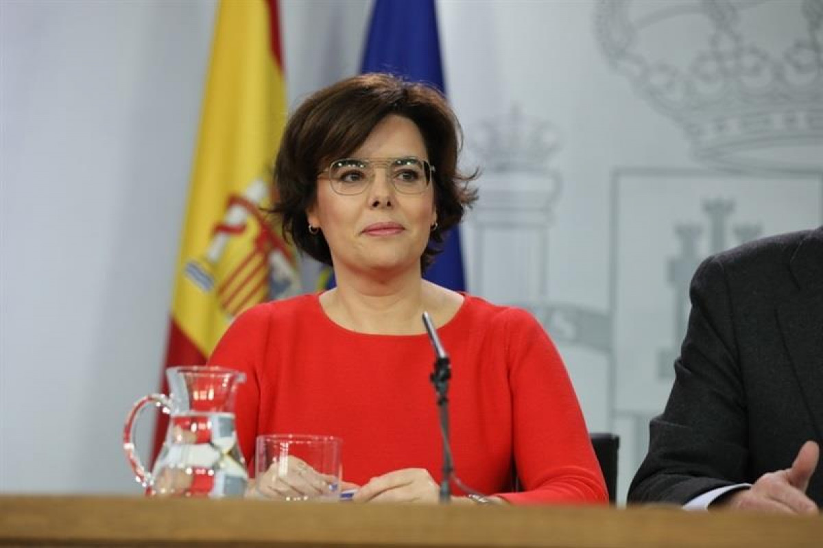 Soraya Sáenz de Santamaría anuncia recurso contra investidura de Puigdemont