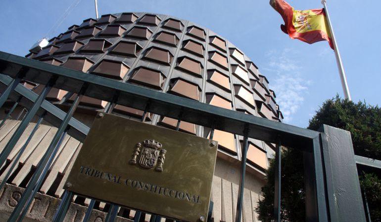 Tribunal constitucional placa