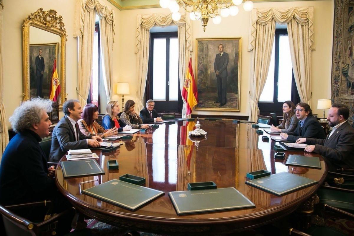 Ciencia en el Parlamento se reune con la Mesa del Congreso
