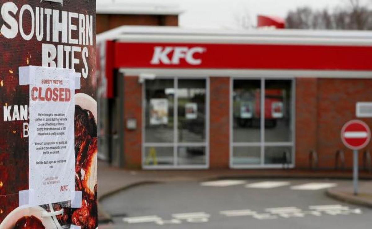 KFC cierra por falta de pollo