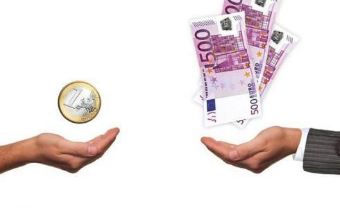 La brecha entre ricos y pobres alcanza un nuevo récord por la crisis, según la OCDE