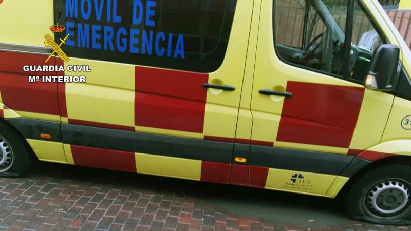 Ambulanciaruedaspinchadas