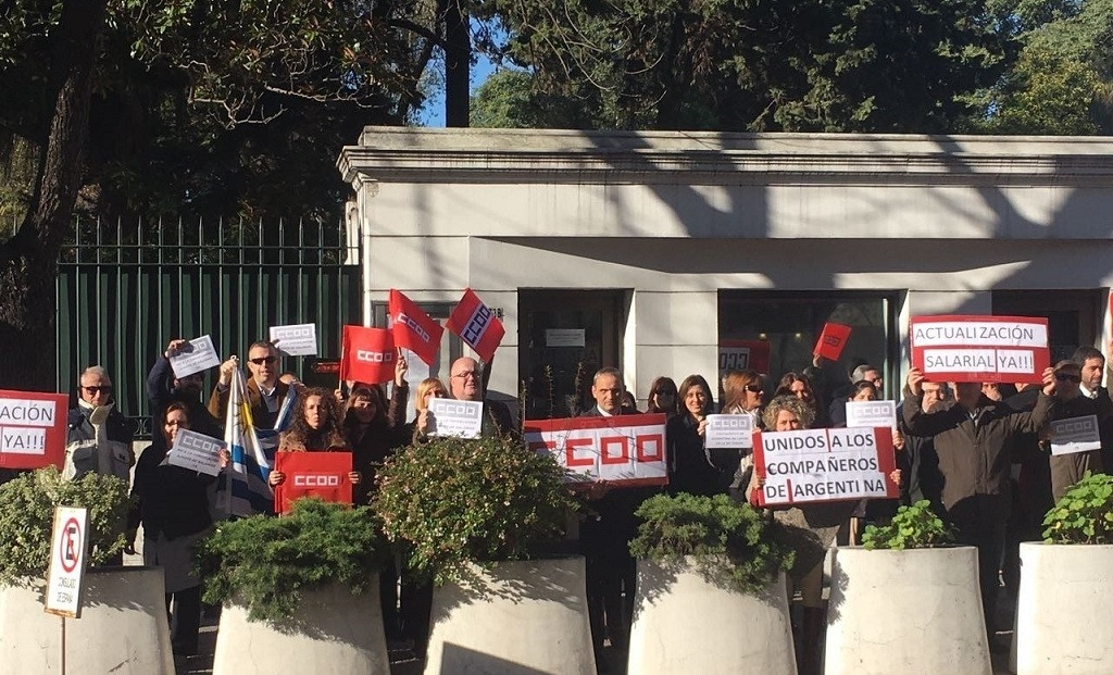 Concentracion embajada espana uruguay 1