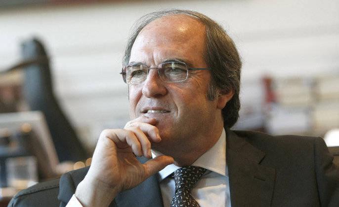 La propuesta de Ángel Gabilondo triunfa en la mayoría de las agrupaciones reunidas este miércoles