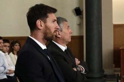 Messi en los banquillos al ser juzgado