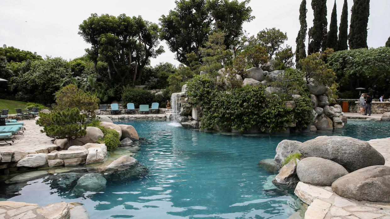 Playboy piscina
