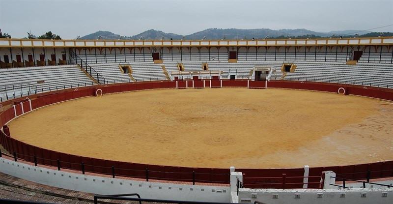 Plaza toros vacia