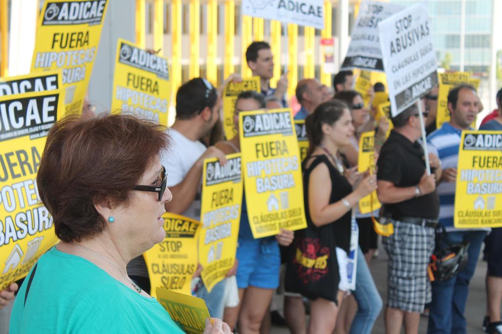 Manifestación contra las hipotecas abusivas