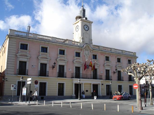 La Udef Se Persona En El Ayuntamiento De Alcalá De Henares Por Un Presunto Fraude En Cursos De Formación