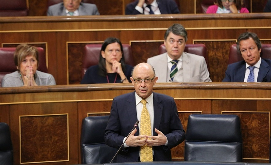 Cristobal montoro promete bajada impuestos