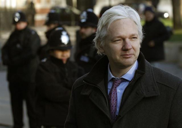Assange 1 2
