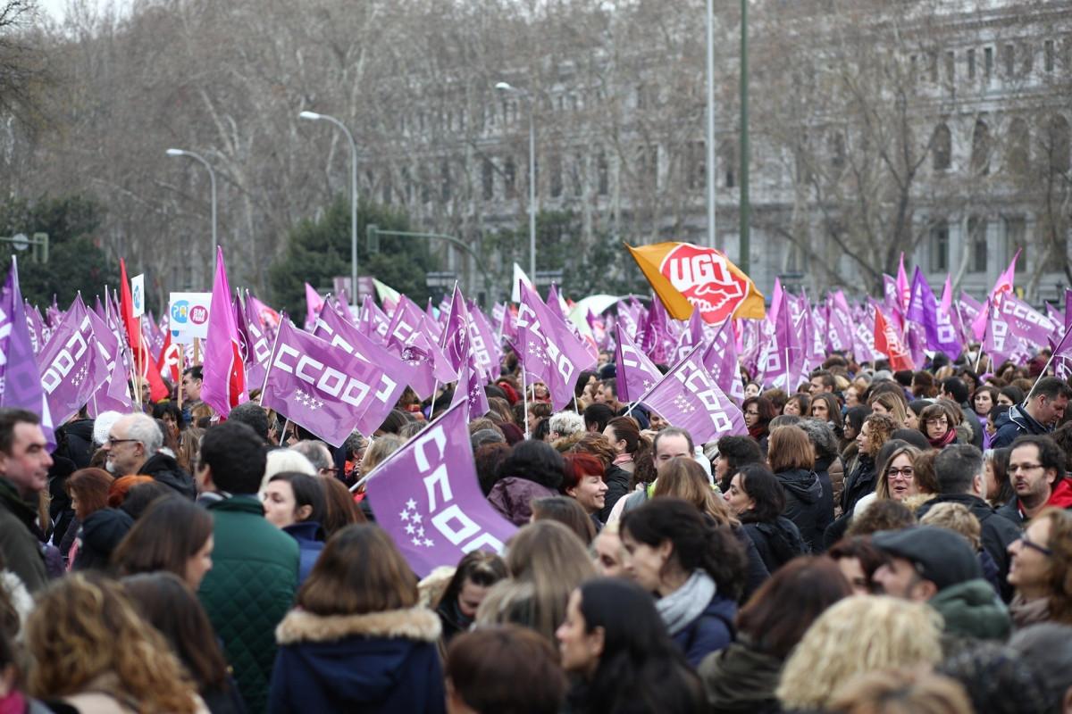Mujeres se concentran en Cibeles (Madrid) por el Du00eda Internacional de la Mujer