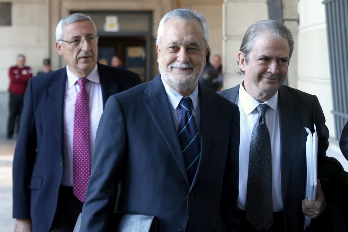Griu00f1u00e1n llega a la Audiencia de Sevilla