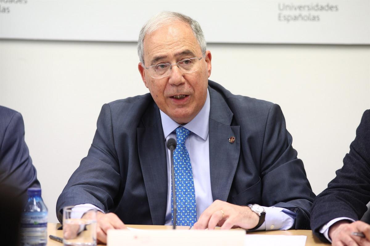 Rueda de prensa del presidente de la CRUE, Roberto Fernu00e1ndez