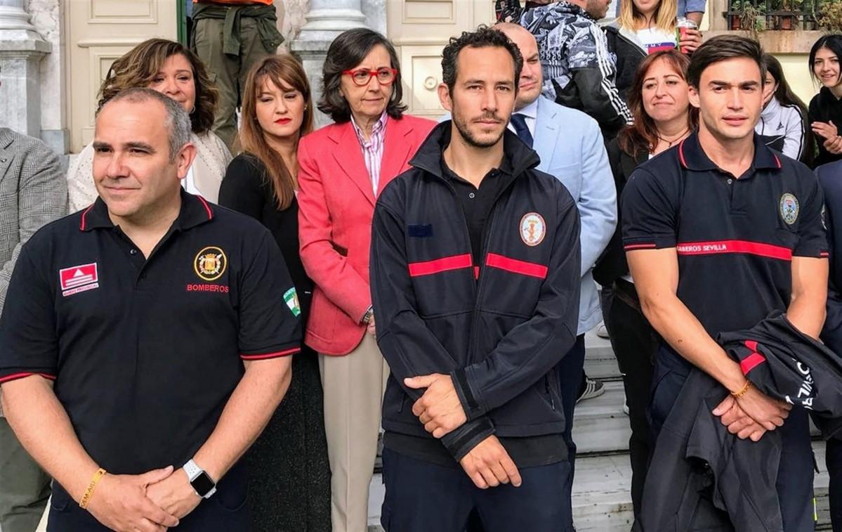 Los tres bomberos espau00f1oles antes del juicio en Lesbos