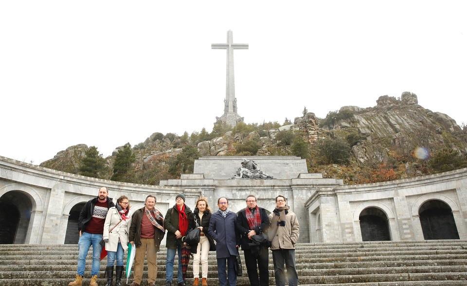Una delegaciu00f3n de la Ejecutiva del PSOE se desplaza al Valle de los Cau00eddos