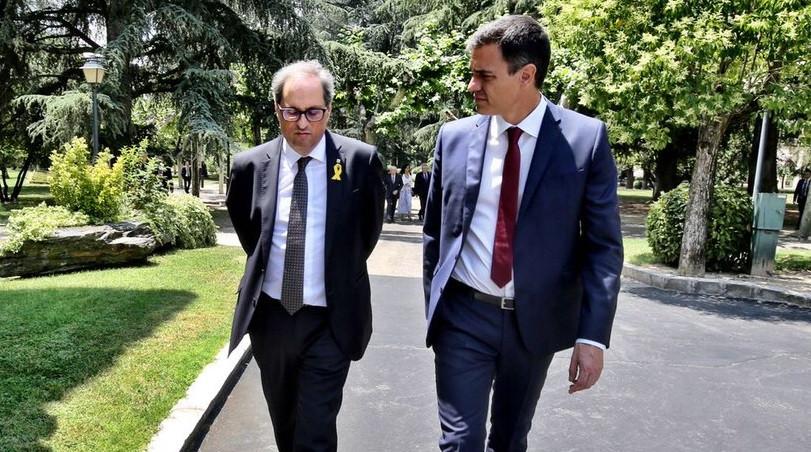 Pedro Su00e1nchez y Quim Torra pasean