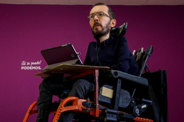 El secretario de Organización de Podemos, Pablo Echenique, durante la entrevista