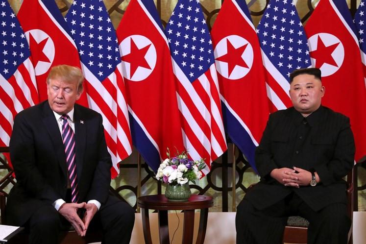 Donald Trump y Kim Jong U en Hanoi