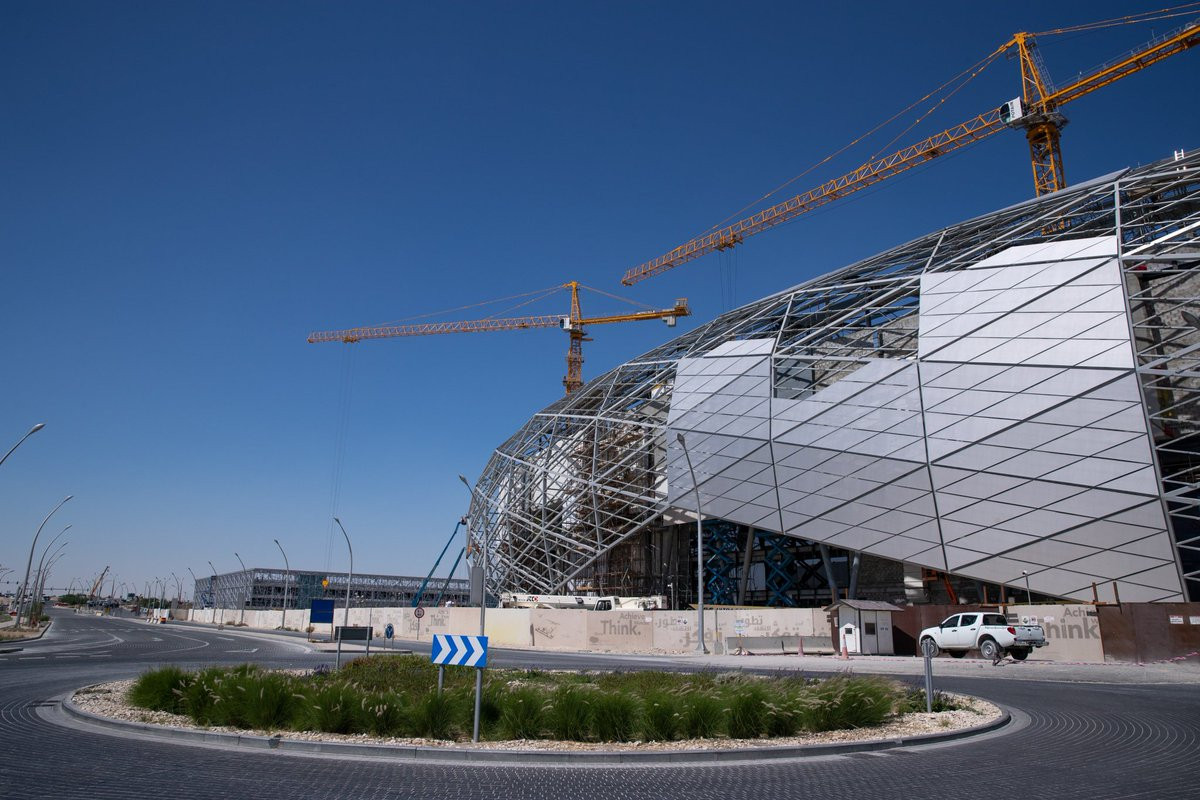 Obras en el esterior del Education City Stadium