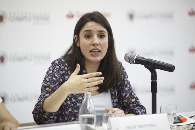 La portavoz de Unidas Podemos en el Congreso de los Diputados, Irene Montero, en un momento de su disertación sobre 'Republicanismo y feminismo' en los Cursos de Verano de El Escorial.