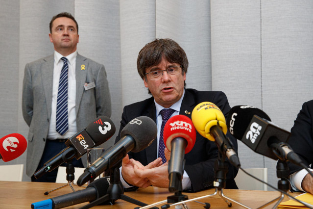 15 October 2019, Belgium, Roeselare: Carles Puigdemont, Former President of the Government of Catalonia, speaks during