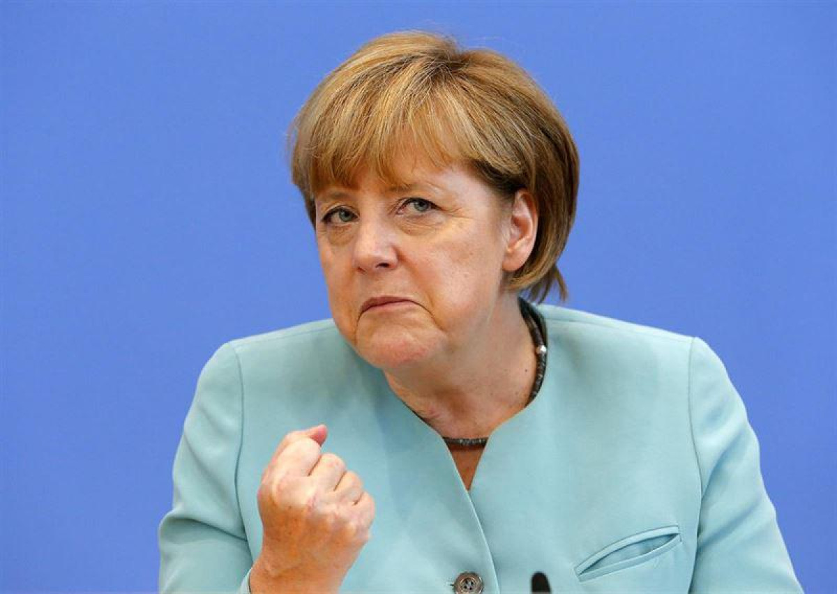 Angela merkel miliatr