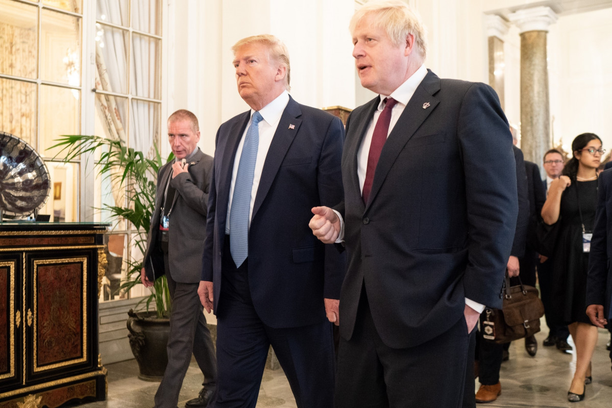 Trump con Johnson en el G7